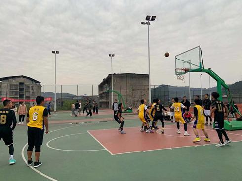 我系学子在学院篮球比赛中勇夺冠军